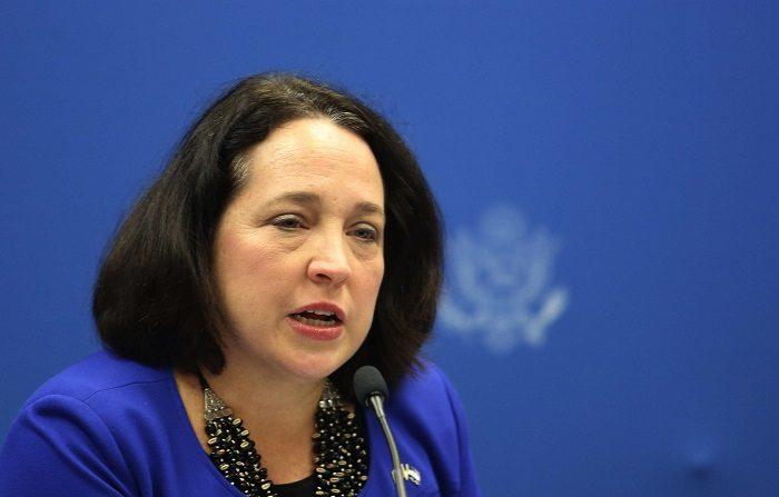 EEUU llama a consultas a diplomáticos en Panamá, El Salvador y R.Dominicana. La embajadora de Estados Unidos en El Salvador, Jean Manes. EFE/ARCHIVO