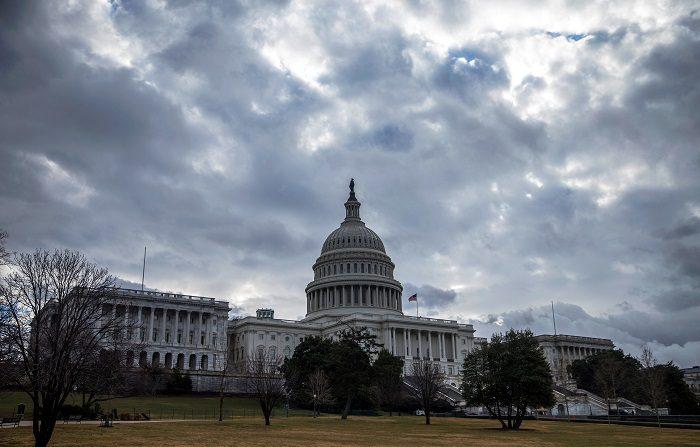 El Congreso de EE.UU. suspende su actividad ante la llegada del huracán Florence. Vista del Capitolio en Washinton, Estados Unidos. (EFE/Archivo)
