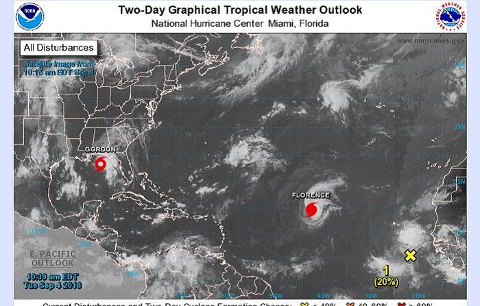 Florence se convirtió hoy en el tercer huracán de la temporada del Atlántico al subir la fuerza de sus vientos máximos sostenidos a 75 millas hora (120 km/h.), pero no representa de momento riesgo para zonas pobladas, informó el Centro Nacional de huracanes (CNH) de EE.UU. EFE/NHC/SOLO USO EDITORIAL/NO VENTAS