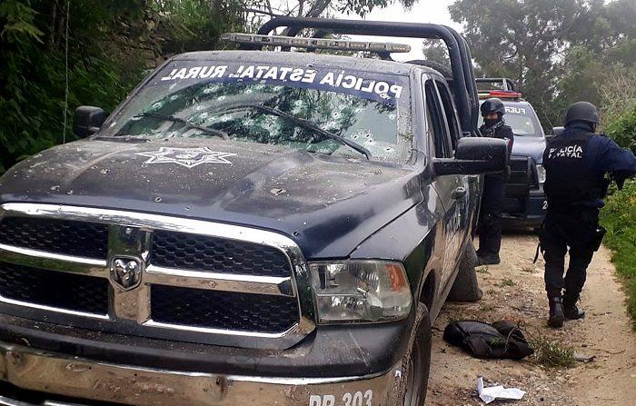 Al menos dos muertos y un número indeterminado de heridos es el saldo preliminar de un enfrentamiento entre policías rurales y grupos armados en la comunidad de Xochipala, en el municipio de Eduardo Neri de la sierra del estado de Guerrero (México) hoy, martes 5 de septiembre de 2018. EFE/STR