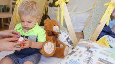 Abuelita busca en el preescolar a su nieto y se equivoca de niño provocando gran agitación