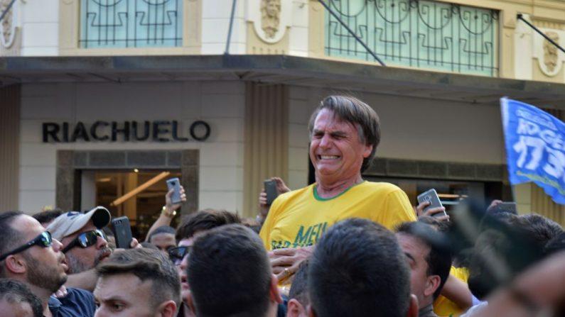 Jair Bolsonaro el 6 de septiembre en Minas Jerais cuando fue apuñalado en un atentado. (RAYSA LEITE/AFP/Getty Images)