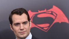 Henry Cavill abandona rol de Superman en universo DC, según la prensa estadounidense