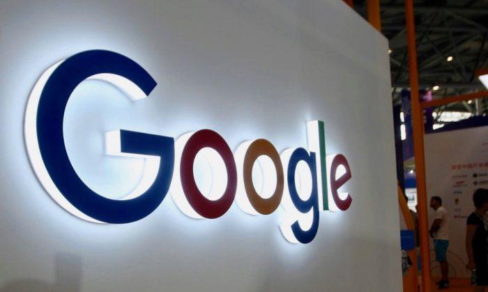 El logotipo de Google exhibido en la Smart China Expo en el Chongqing International Expo Center, en el suroeste de Chongqing, China, el 23 de agosto de 2018. (STR/AFP/Getty Images)