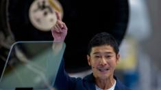 """Billonario japonés será el primero en ir a la Luna en Space X: """"Mi sueño de toda la vida"""""""