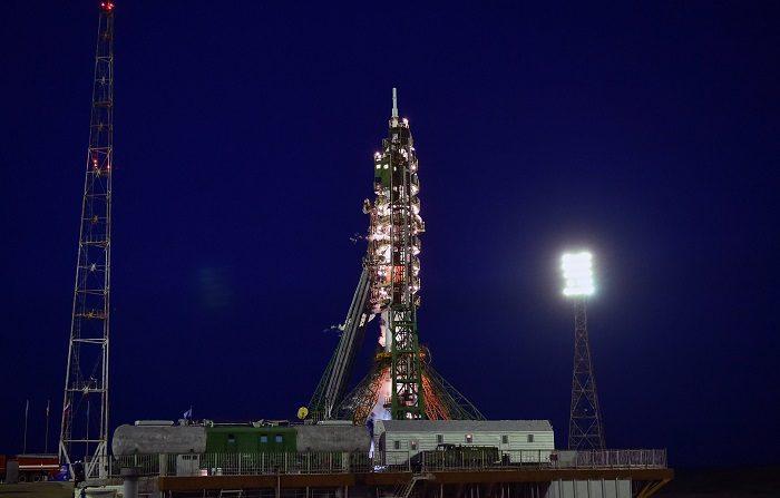 La Soyuz MS-08 aterriza con éxito en la estepa kazaja tras 197 días en la EEI Lanzamiento de la Soyuz MS-08 desde el cosmódromo de Baikonur, en Kazajistán, el pasado mes de marzo. EFE/Archivo