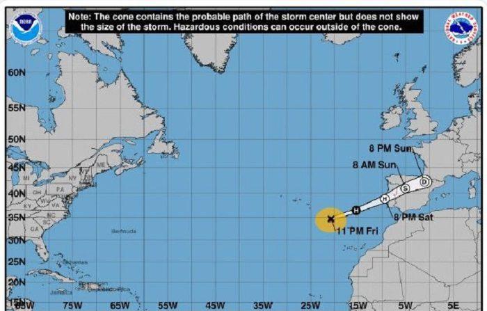 Leslie entrará mañana entre Zamora y Cáceres con vientos de 100 km/h. El ciclón tropical Leslie muy probablemente tocará tierra cerca de Lisboa y se despazará por el interior de la península hacia el nordeste. Cuando Leslie toque tierra posiblemente ya no sea un huracán, sino un potente ciclón postropical, con rachas de viento muy fuertes y lluvias intensas. EFE/AEMET Canarias