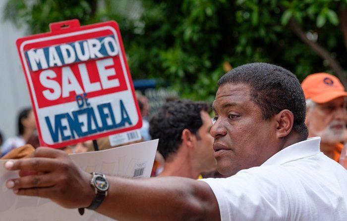 """La Organización de Venezolanos Perseguidos Políticos en el Exilio (Veppex) consideró hoy """"inaudito"""" que el gobierno de España proponga impulsar un dialogo en Venezuela, cuando el país esta bajo """"un régimen asesino e ilegítimo"""". EFE"""