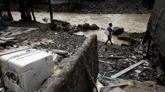 Muere bombero cuando quitaba escombros en zona afectada por huracán Michael