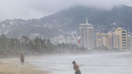 Willa evoluciona a huracán de categoría 2 frente a costa del oeste de México