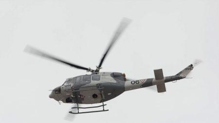 Dos heridos y un desaparecido al caer un helicóptero de la armada de México