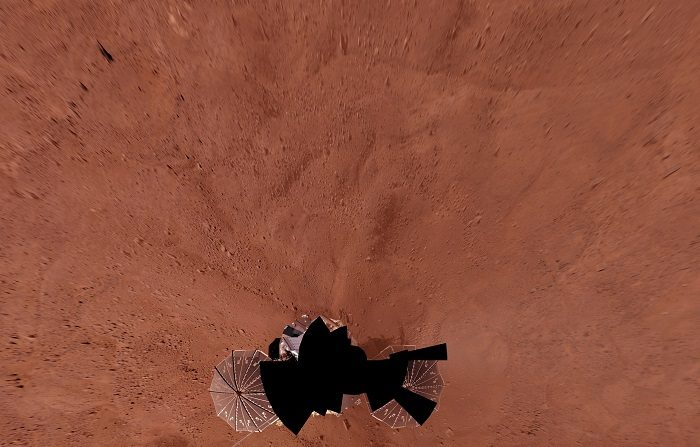 El oxígeno no es suficiente para hablar de habitabilidad en Marte, advierte el investigador del Centro de Astrobiología (CAB) Alberto González Fairén, quien recuerda que hay otros factores que no permiten la habitabilidad en el planeta rojo: bajísimas temperaturas, radiación y altas concentraciones de sales. NASA via EFE.