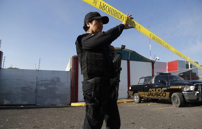 México registró durante los primeros nueve meses del año un total de 21.283 homicidios, lo que supone un aumento del 18 % respecto a las cifras del año anterior, informó hoy la organización Semáforo Delictivo. EFE/Francisco Guasco