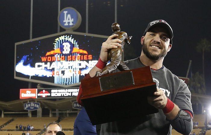 El bate encendido de Steve Pearce le hizo merecedor del premio de MVP. El jugador de los Medias Rojas de Boston, Steve Pearce. EFE