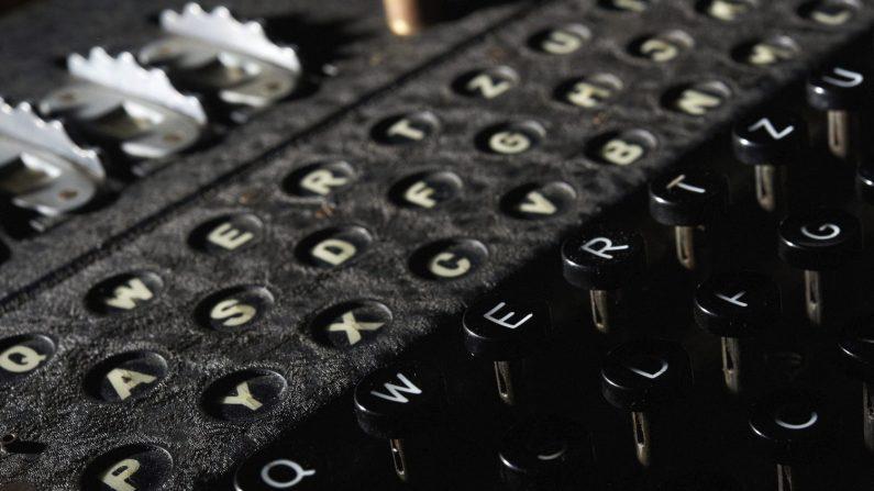 Las técnicas que utilizó el científico británico Alan Turing para descifrar el código Enigma, utilizado por la Alemania nazi durante la Segunda Guerra Mundial, podrían usarse para detectar de forma más temprana enfermedades como el cáncer, reveló hoy un estudio de la Universidad de Edimburgo. EFE