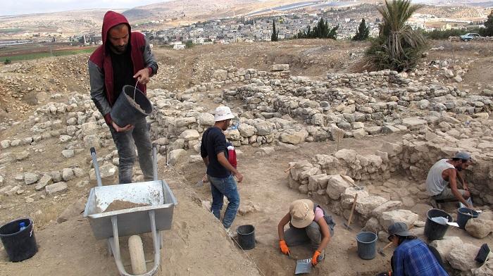 La muralla de la urbe fundacional y el torreón revelan la excelencia urbanística de una de las primeras ciudades en lo que hoy es Palestina EFE/Laura Fernández Palomo