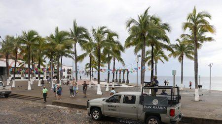 El huracán Willa disminuye a categoría 4 y avanza a costa noroeste de México