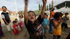 Hallan vivos 31 menores atrapados en dos escuelas 8 días después del seísmo y tsunami en Indonesia