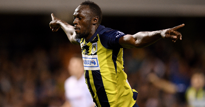 El jugador de los Mariners, y exatleta jamaiquino Usain Bolt, celebra un gol durante el partido de la Liga Australiana de fútbol, que enfrentó a los Mariners y a los Macarthur South West United, en el estadio Campbelltown de Sídney (Australia). EFE