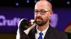Hombre sufre amputación de manos y pies por lamido de un perro, pero asegura que los amará siempre