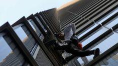 Policía arresta a 'hombre araña' francés después de escalar uno de los edificios más altos de Londres