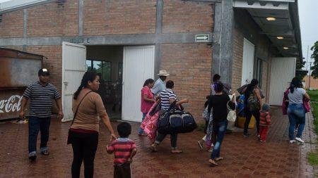 Unas 2.500 personas son desalojadas por huracán Willa en occidente de México