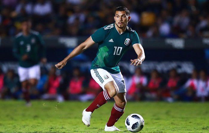 Henry Martin de México conduce la pelota durante el partido amistoso internacional entre México y Costa Rica en el Estadio Universitario el 11 de octubre de 2018 en Monterrey, México. (Foto de Hector Vivas/Getty Images)