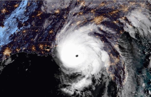 Huracán Michael: con vientos de 230 Km, en categoría 4, en la costa de Florida el 10 de octubre de 2018. (GOES)
