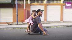 A este joven nada lo detiene, no tiene piernas pero avanza velozmente con su patineta