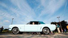 Compra el primer Ford Mustang del mundo por 3500 dólares en 1964 ¡y ahora está valuado en 450.000!