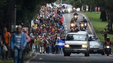 Trump amenaza con mandar el Ejército a la frontera si la caravana de migrantes de Honduras no se detiene