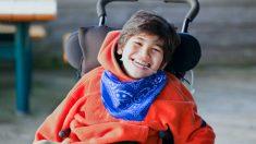 200 camioneros se unen para dar una increíble sorpresa de cumpleaños a un chico en silla de ruedas