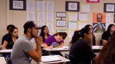 Latinos, apartados de empleos calificados en California por falta de estudios