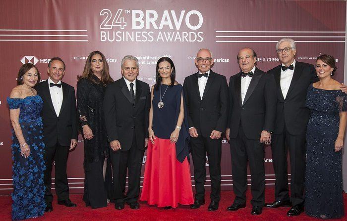 La vicepresidenta de Panamá y presidentes y altos ejecutivos de Vale (Brasil), Grupo Lala (México), Banco de Crédito e Inversiones (Chile), Grupo Éxito (Colombia) y Greenberg Traurig (EE.UU.) recibieron hoy los Premios Bravo 2018 en Miami. EFE