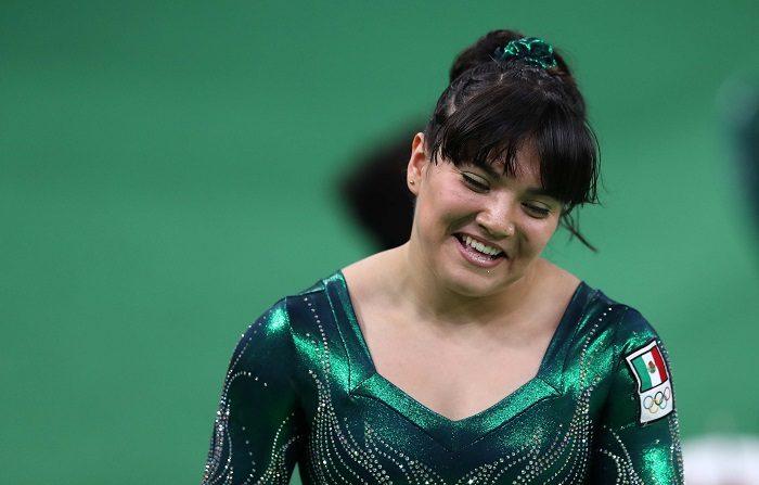 La gimnasta mexicana Alexa Moreno, medalla de bronce en salto en los Campeonatos del Mundo en Doha, afirmó este lunes que ha logrado vencer sus miedos y ahora disfruta al competir con figuras de la talla de la estadounidense Simone Biles. EFE/MARCELO SAYAO