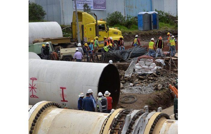 El servicio de agua en la Ciudad de México será restablecido en la tarde de hoy pese a no lograrse la instalación de una nueva pieza que debía facilitar la distribución del agua en dos líneas del Sistema Cutzamala. EFE