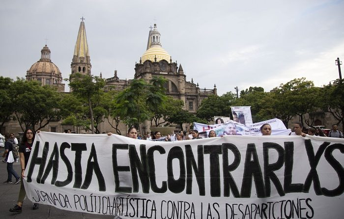México registró al menos 2.000 fosas clandestinas entre los años 2006 y 2016 con 2.884 cuerpos de personas asesinadas y sepultadas por el crimen organizado, reveló hoy una investigación periodística independiente basada en datos de fiscalías estatales.  EFE/Francisco Guasco
