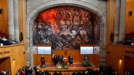 Despiden en Guadalajara al escritor mexicano Fernando del Paso
