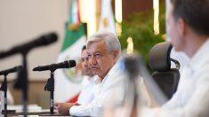 Tren Maya, una refinería, becas, pensiones e internet, a consulta en México