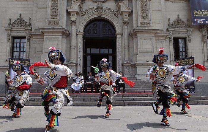 El congreso se inauguró en coincidencia con el día nacional de las danzas de tijeras, creado el pasado año por una ley del Congreso peruano. EFE/Archivo