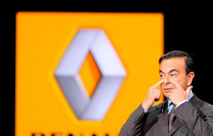 El Consejo de Administración de Renault se reunirá esta noche para abordar el escándalo desatado tras el arresto en Japón del presidente del grupo de automoción, Carlos Ghosn, que ha provocado que el fabricante galo siga cayendo hoy en bolsa. EFE/Archivo