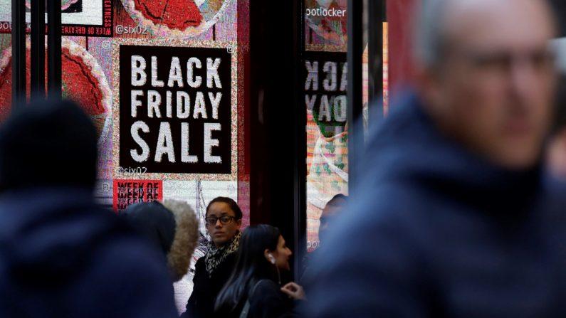 Imagen ilustrativa de las transacciones en el Black Friday y en el Cyber Monday, según el estudio realizado por Visa Consulting & Analytics (VCA). EFE/Archivo