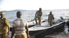 Al menos 31 muertos en naufragio de una embarcación de lujo en Lago Victoria- Uganda