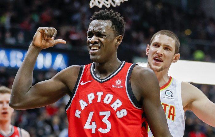 El primer gran duelo de la temporada entre los Raptors de Toronto y los Warriors de Golden State llegó con la victoria del equipo canadiense que se aprovechó de las bajas que sufren los actuales bicampeones de la liga para conseguir la victoria y consolidar la mejor marca de la liga. EFE/ERIK S. LESSER