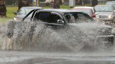 Solo una vez en 100 años: 91 mm de lluvia en 90 minutos deja un muerto y heridos en Australia