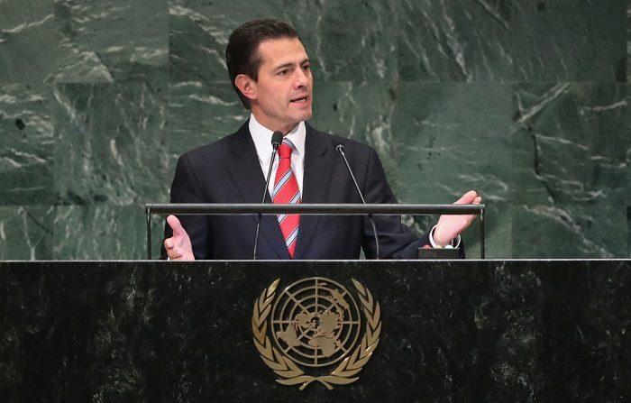 El Presidente de México, Enrique Peña Nieto, se dirige a la Asamblea General de las Naciones Unidas el 25 de septiembre de 2018 en la ciudad de Nueva York. El 69,2 % de los mexicanos desaprueba su gestión en el gobierno. (Foto de John Moore/Getty Images)