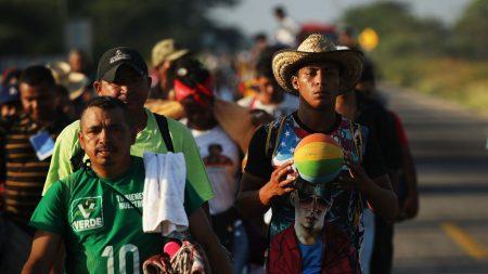 Crecen en Tijuana las protestas y el rechazo a los primeros migrantes de la caravana
