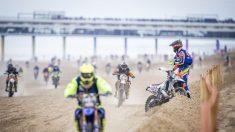 Más de 1000 competidores de motocross en la playa en La Haya: Watson se corona campeón