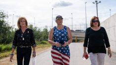 Madres viajan a la frontera de Texas para pedir mejor seguridad antes de la llegada de la caravana