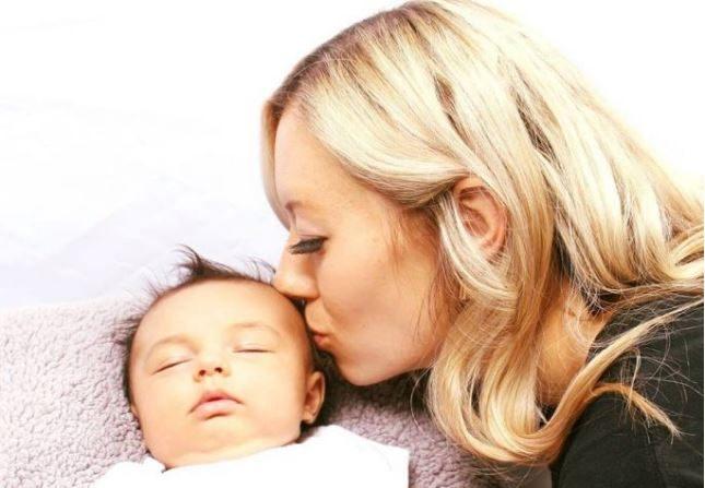 Chelsea y su hija, Giselle. (Cortesía de Chelsea Dansie Judd)